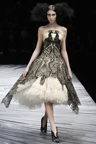 FW 2008 Making us feel like princesses, and showing that his genius goes beyond the breaking of boundaries.